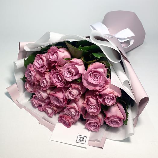 Пыльно-розовые розы: букеты цветов на заказ Flowwow