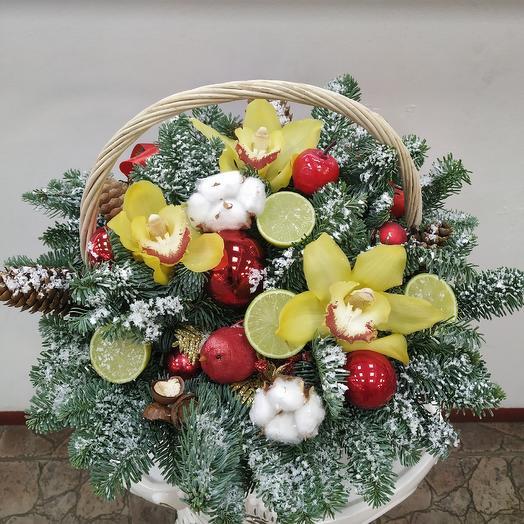"""Корзина с орхидеей и нобилисом """"Новогодняя"""": букеты цветов на заказ Flowwow"""
