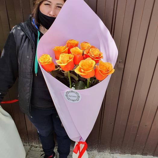9роз в дизайнерской упаковке: букеты цветов на заказ Flowwow