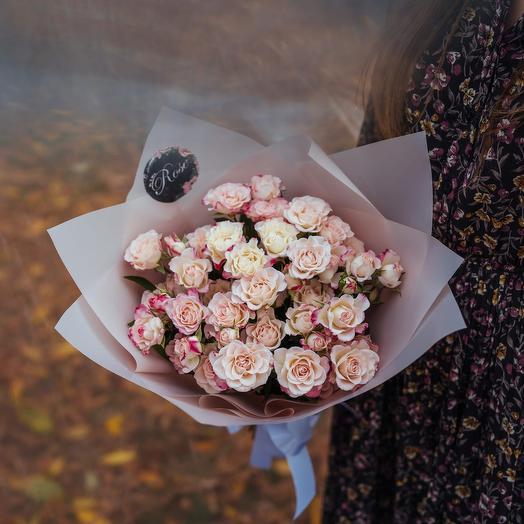 Букет из девяти кустовых роз Рефлекс