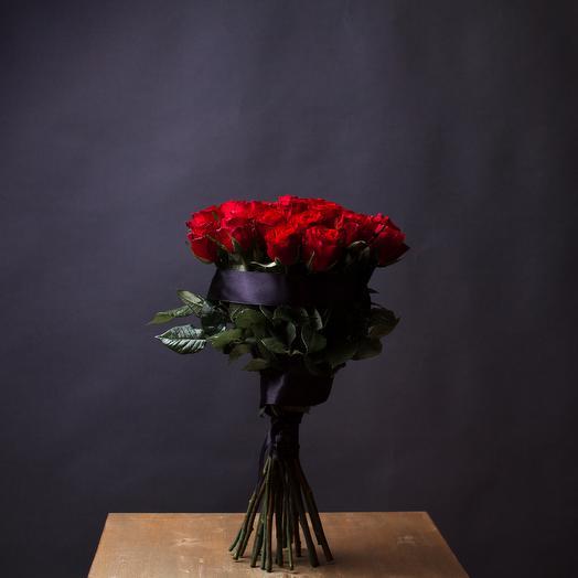 Букет из 20 кенийских роз с траурной лентой