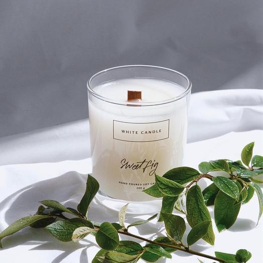 Свеча ароматизированная с деревянным фитилем Sweet fig / Сладкий инжир, WHITE CANDLE