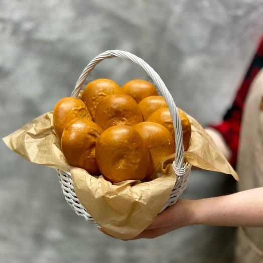 Корзина пирожков с картофелем и грибами