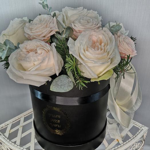 Цветы в коробка с ПИОНОВИДНЫМИ розами