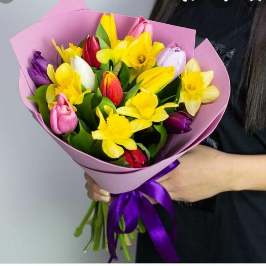 Тюльпаны с нарциссами
