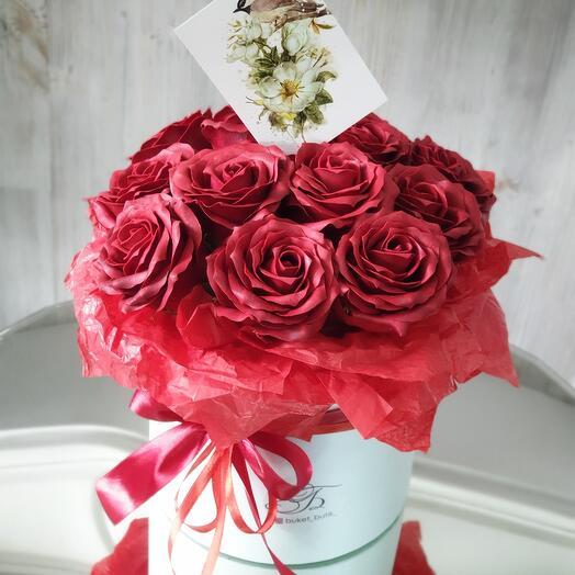 Коробка с мыльными розами