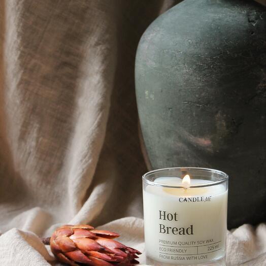 "Ароматическая свеча HOT BREAD / Свеча Горячий хлеб - с хлопковым фитилем, CANDLE ME """