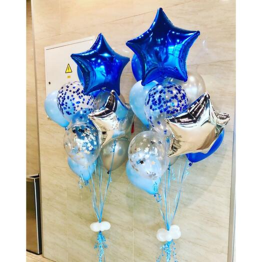 Фонтаны голубых, серебряных и синих из шаров