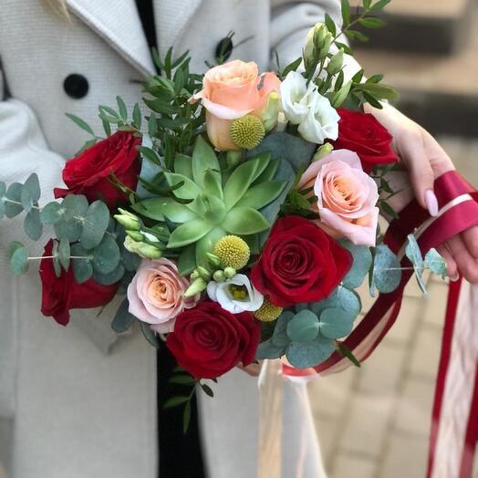 Букет невесты растрепыш   с суккулентом