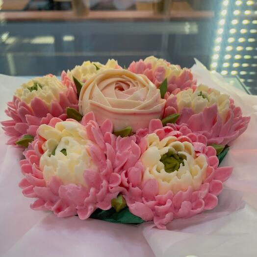 Bouquet of Chrysanthemums and Peony 7 flower cupcakes