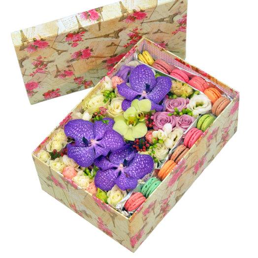 Коробка Мэджик: букеты цветов на заказ Flowwow