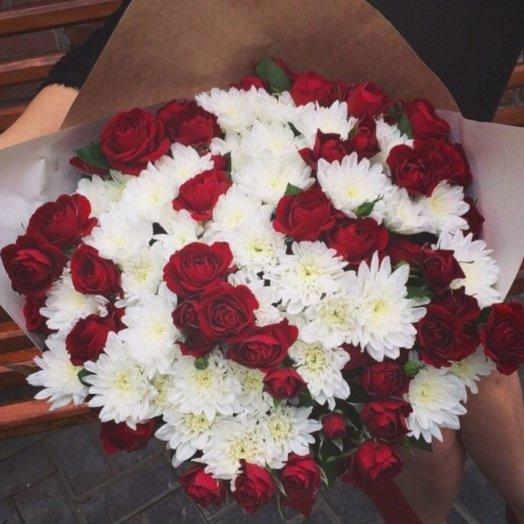 Красно белый Микс: букеты цветов на заказ Flowwow