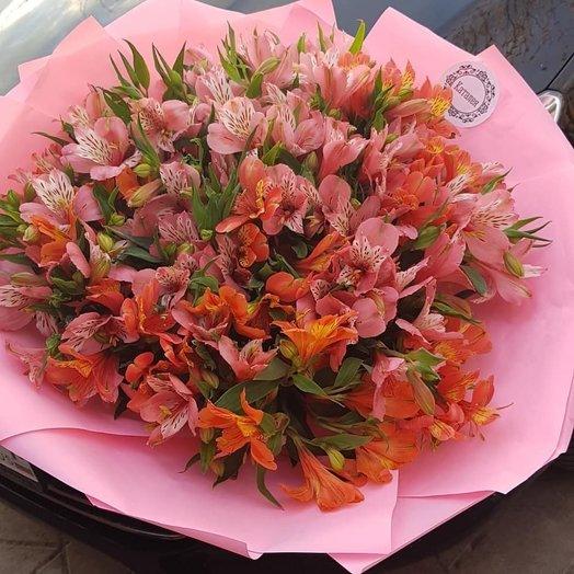 Большой букет Альстормерий: букеты цветов на заказ Flowwow