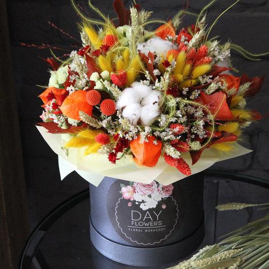 Интерьерная шляпная коробочка с сухоцветами: букеты цветов на заказ Flowwow