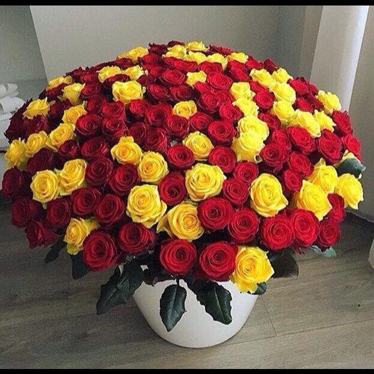 161 роза: букеты цветов на заказ Flowwow