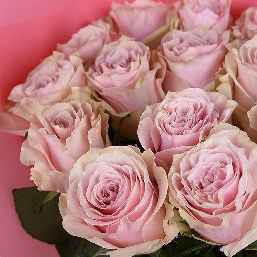 51 нежно-розовая роза: букеты цветов на заказ Flowwow