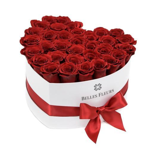 Букет вечных красных роз в коробке Love: букеты цветов на заказ Flowwow