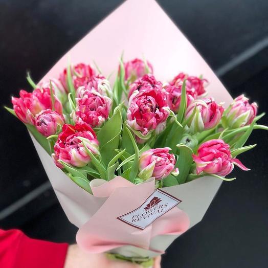 Букет из 19 тюльпанов: букеты цветов на заказ Flowwow