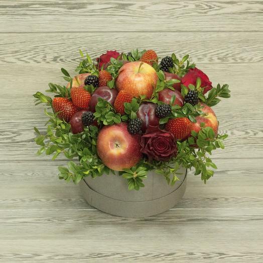 Фруктово-ягодная коробка: букеты цветов на заказ Flowwow