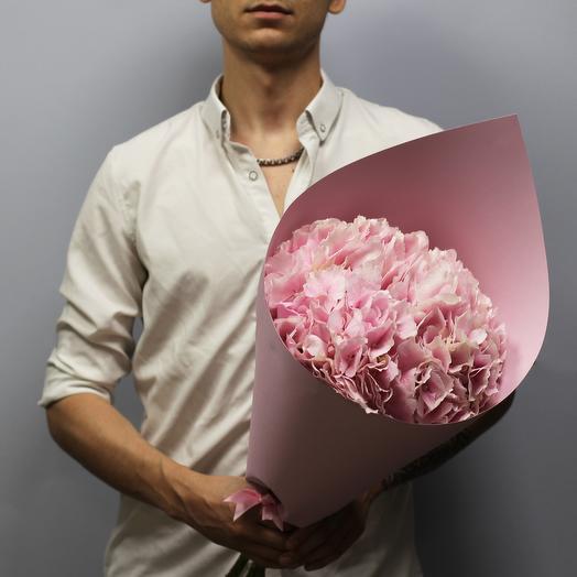 Розовое облако из 3 гортензий: букеты цветов на заказ Flowwow