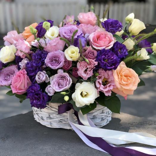 Корзина «Очарование»: букеты цветов на заказ Flowwow