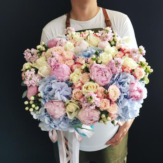 Роскошный микс с пионами: букеты цветов на заказ Flowwow