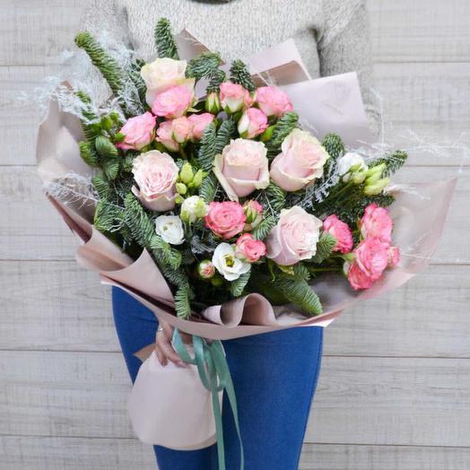 Зимняя роза: букеты цветов на заказ Flowwow