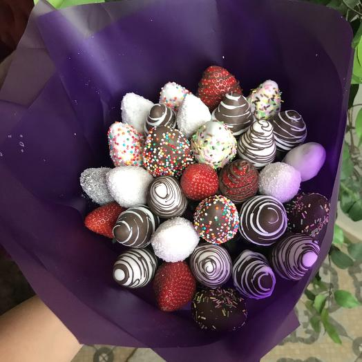 Клубничный букет «шоколадная радуга»: букеты цветов на заказ Flowwow