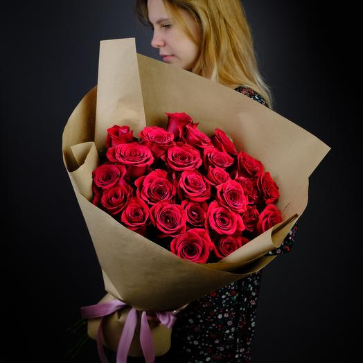 Монобукет из роз в крафте