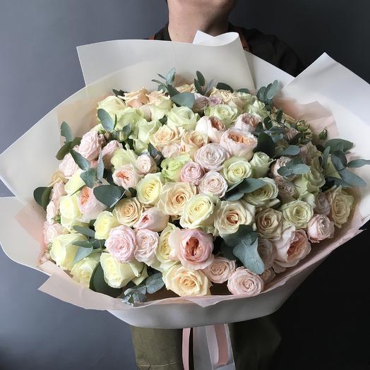 Роскошный микс роз