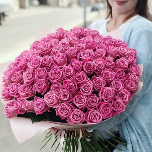 Букет 101 поцелуй в розовом из розовых роз Код 170008