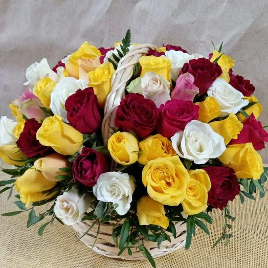 101 роза в корзине Кения