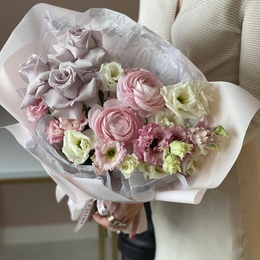 Нежный букет с розой и лютиками 24