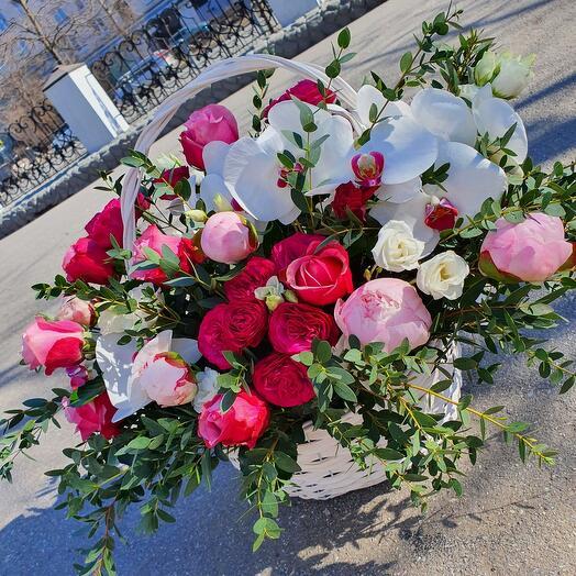 """Корзина с цветами """"Пионовый восторг"""""""