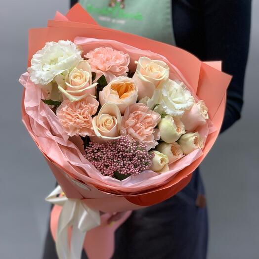 🆕Букет с пионовидными розами и нежным лизиантусом«Сливочная помадка»