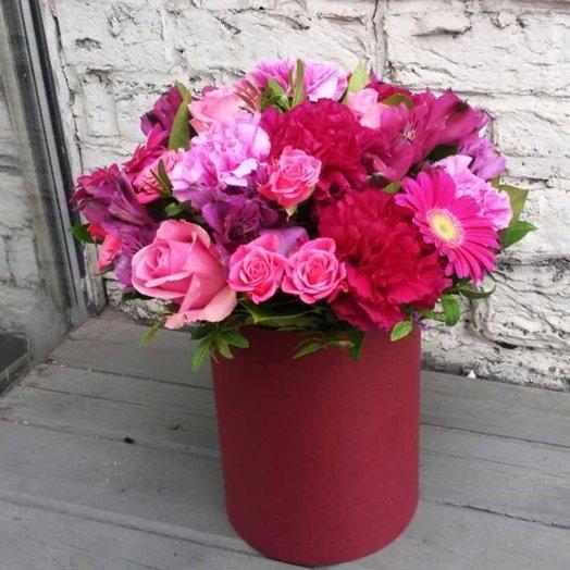 Флер в шляпной коробке: букеты цветов на заказ Flowwow