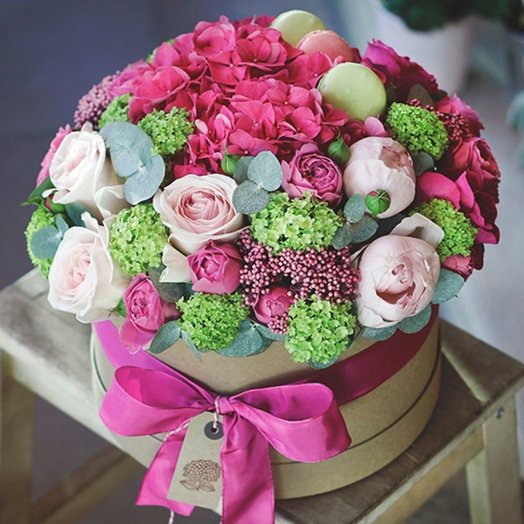 Цветочная коробка Стиль: букеты цветов на заказ Flowwow