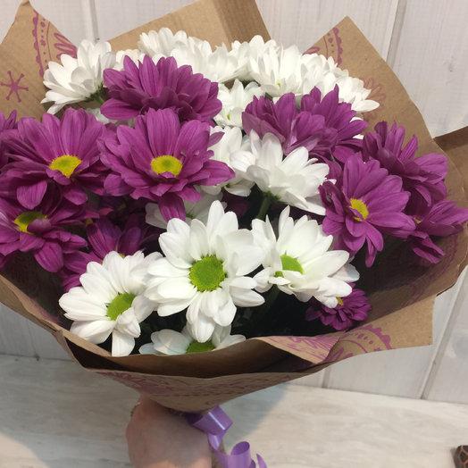 Хризантемы в крафте: букеты цветов на заказ Flowwow