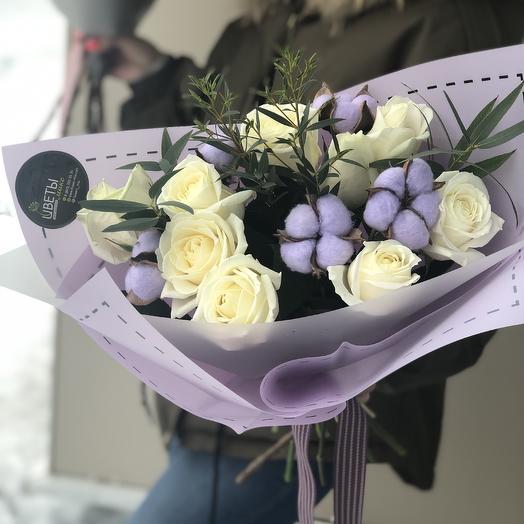 Лавандовый букет роз с хлопком: букеты цветов на заказ Flowwow