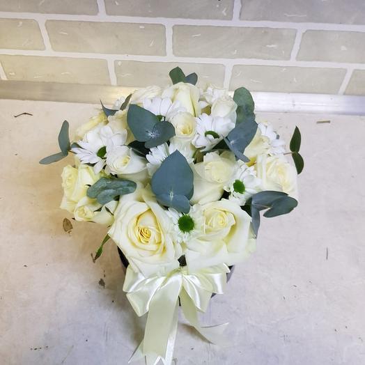 Роза с эвкалиптом: букеты цветов на заказ Flowwow