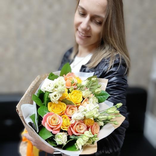 Скромная улыбка Z13: букеты цветов на заказ Flowwow