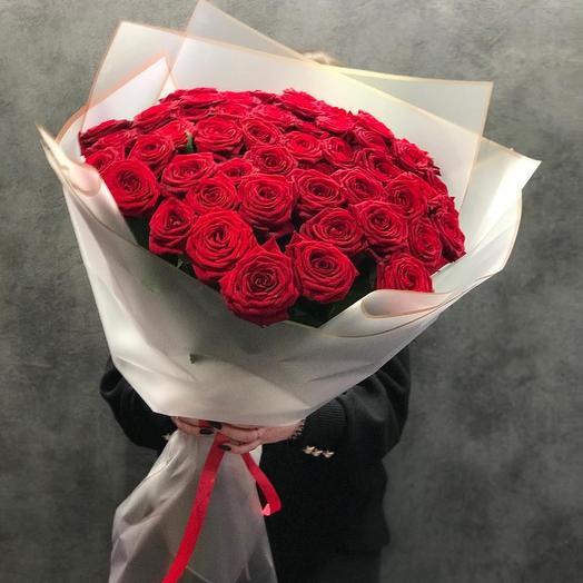 51 роза красная