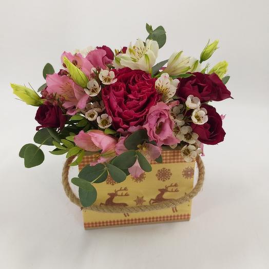 Композиция с пионовидной розой и альстромерией: букеты цветов на заказ Flowwow