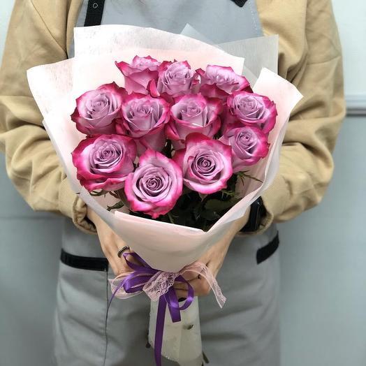 11 роз Эквадор 50 см в красивой упаковке