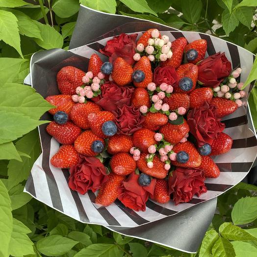 Букет из клубника микс: букеты цветов на заказ Flowwow