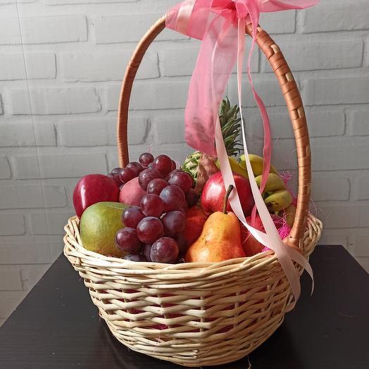 Сочная корзина фруктов