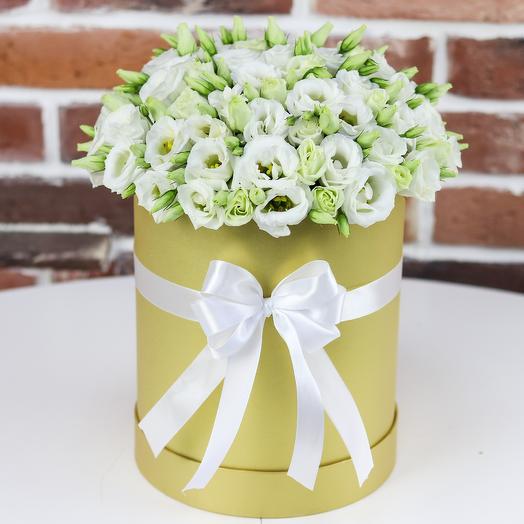 Шляпная коробка из белой эустомы(19 шт). N800: букеты цветов на заказ Flowwow