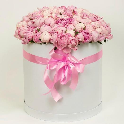 101 пион в коробке: букеты цветов на заказ Flowwow