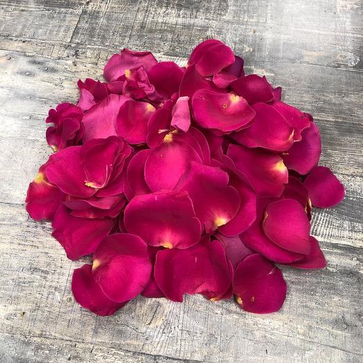 Лепестки из 5 роз