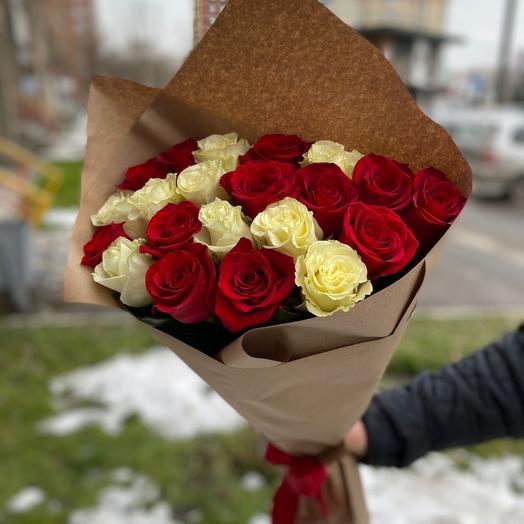 21 роза в стильном крафтовом исполнении